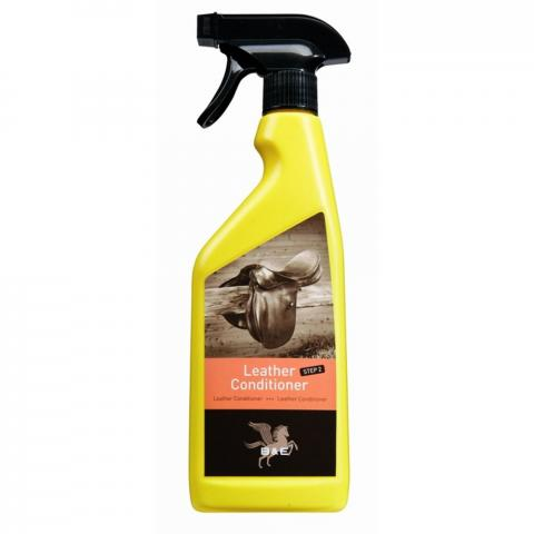 Preparat w sprayu do pielęgnacji skór B&E Leather Conditioner Step 2